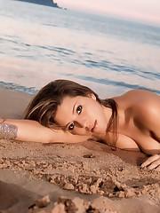 Alicia Machado.4 - image-bugs