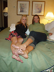 Giant Soles : Huge chick foot , Mikayla..