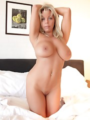 Amber Lynn Bach gets bare on her bed -..