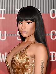 More Photos of Nicki Minaj Pink Lip..