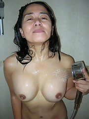 Asian mature couple show their fuck..