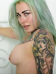 Beautiful Suicide Woman Alivix Pastel..