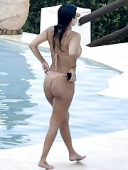 Kourtney Kardashian Hot Bikini Assets..