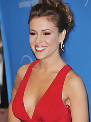 Alyssa Milano Jaw-dropping Cleavage