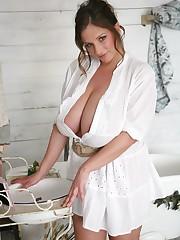 Bodacious Model Nadine Jansen Pinterest..