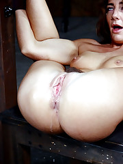 Hot Mummy Savannah spread broad open in..