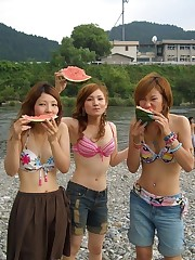 Photo collection of a horny chinese gfs