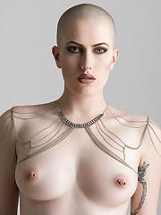 Nude - Daniel Durette