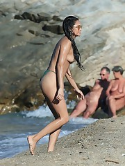 shay-mitchell-topless-on-the-beach-in-m..