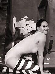 Sex Symbol Claudia Cardinale Bare..