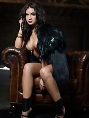 Alexandra Tyler uCrazy -..