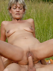 45 yr old Sherry D gets her mature..