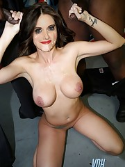 Alison Brie Free Nude Celebs..