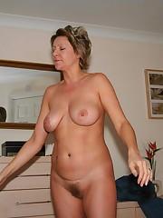 Homemade Photos of mature slut on rest