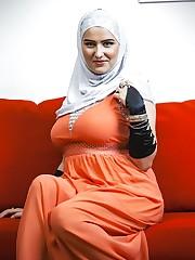 HijabGirlx CokeGirlx Muslim Hijab Gals..