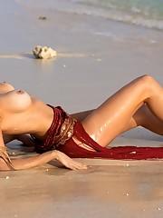 Rosanna Davison nude naked - Pics and..