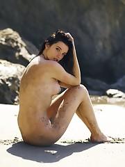 Hannah Masi Nude Beautiful pictures..