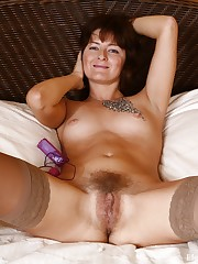 Elena V puts her pinkish balls in her..