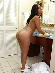 Amateur maid gets plowed after cleaning..