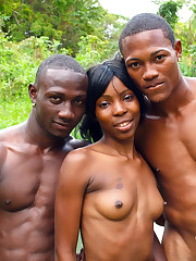Home made sex, young lady ebony couple