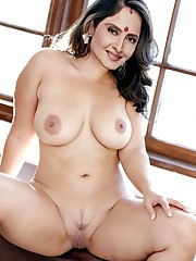 Bollywood Actress Rekha Nude Porno Sex..