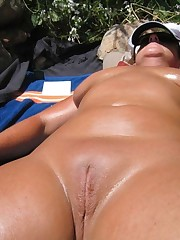Amateur ex-wife entirely bare  labia