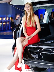 Long-legged and super-sexy models in..