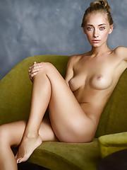 Nude Share -boobies - Anna