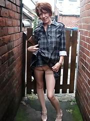 Still sexy mature ladies pull up their..