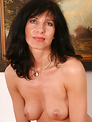 Free Porn Housewives, Brunette, Mature..