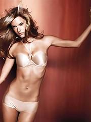 Underwear models: Alessandra Ambrosio -..