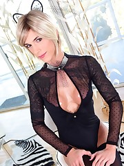 Transsexual Nina Lawless - En el factor..