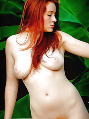 The beauty of the redheaded white chick..