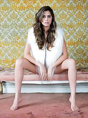 Lorenza Izzo Soles - celebrity-feet
