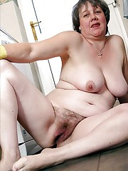 Nude ugly fat grannys - XXX images