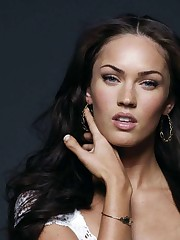 Glance Of Megan Fox Hd Wallpaper : Hd..