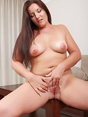 Download Sex Pics 31 Year Old Milf Lara..