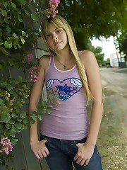 Aimee Teegarden Yeah She Knows Aimee..