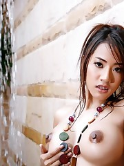 asian-brunette-hot-sexy-320