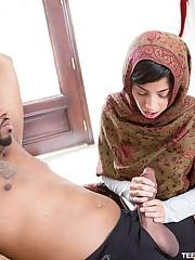 Arab teen Nadia Alli deepthroats..