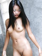 Japanese hard nipples - Porn