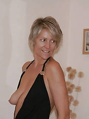 First-timer Homemade MILFs, Matures and..