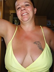 saggy matures bosom 136 all braless..