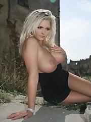Miranda lambert hard nipples - Porn clip
