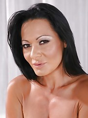 Sandra Romain II - фотки -..