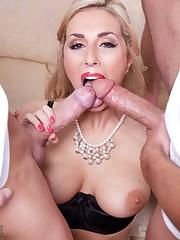 Torrid blonde bombshell Paige Turnah..
