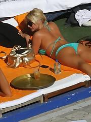 Celeb Culos Brooke Hoganaposs butt in a..