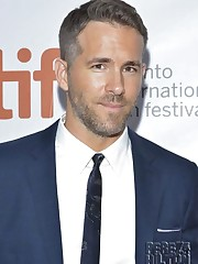 Ryan Reynolds Gets In Form By Hiking..