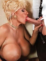 cockblowing blondie - Quality porn