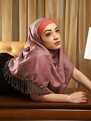 AdilaMuslim - Teen Arab Hook-up Webcam..